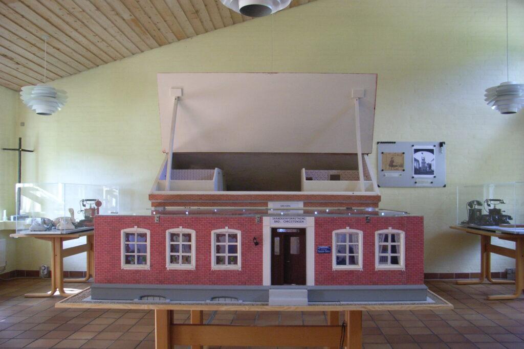 Model af telefon centralen i Grejsdalen